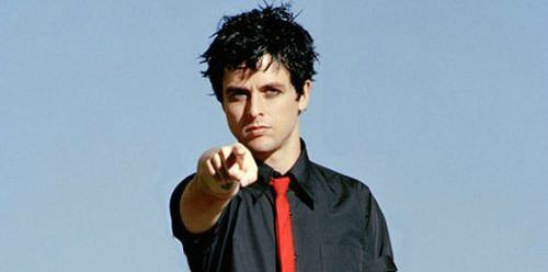 Green Day: Billie Joe insulta fan su Instagram per Trump