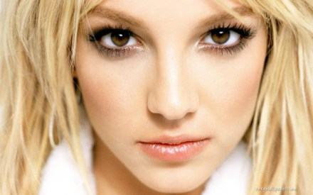 Britney Spears è la ventata di profumo dell'estate.